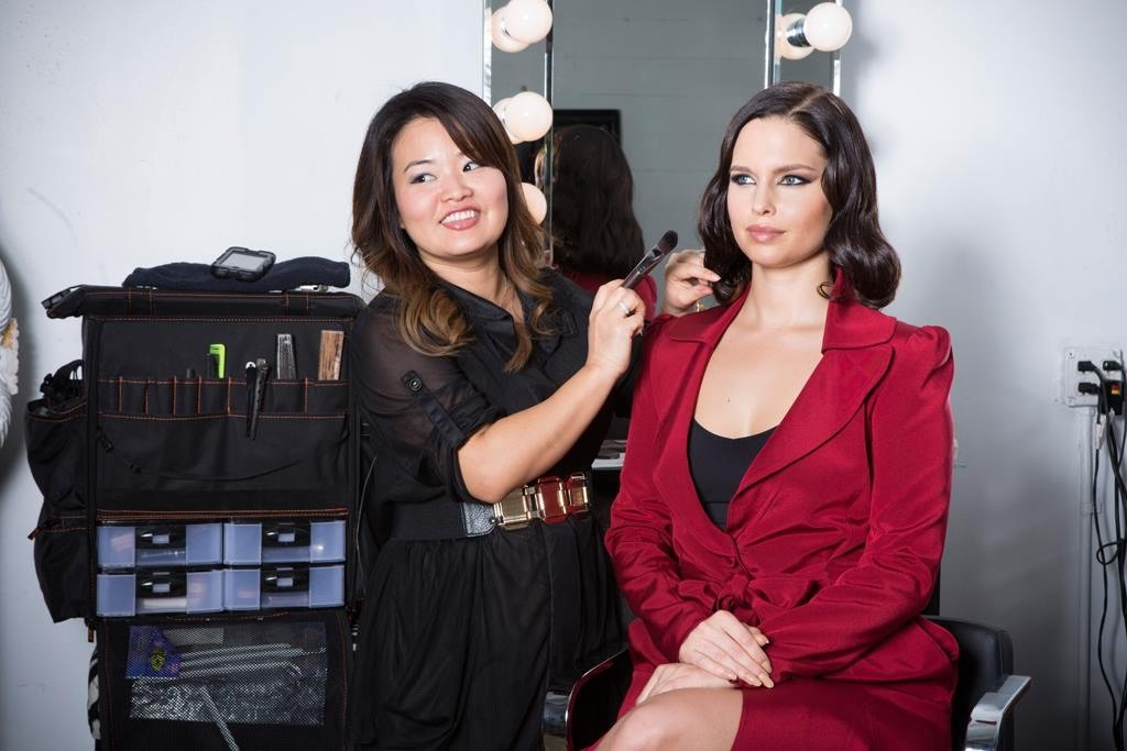 Beauty and Glamour Make-Up Classes in Seattle